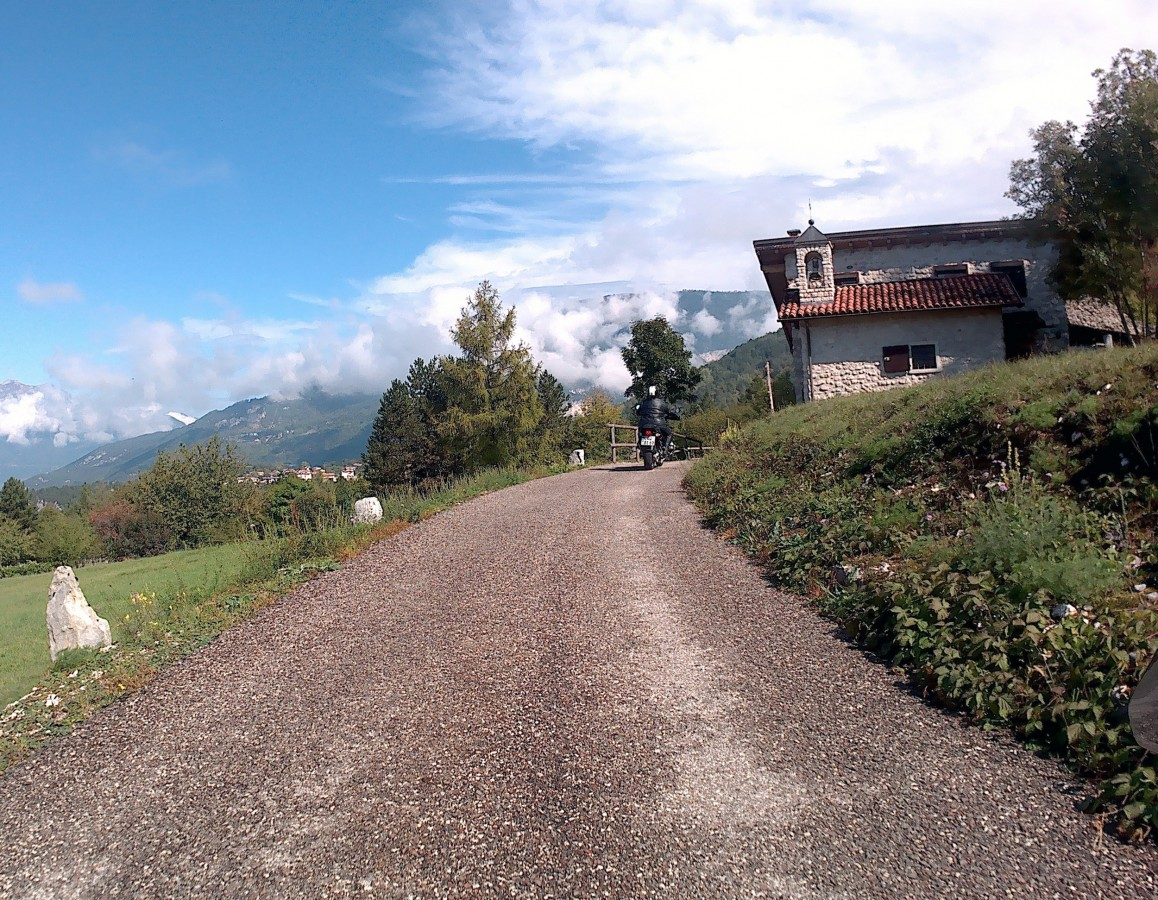 abseits gelegenes Kloster nähe Valmorbia